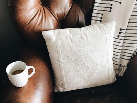 Antes de comprar um sofá de couro, saiba como conservá-lo!