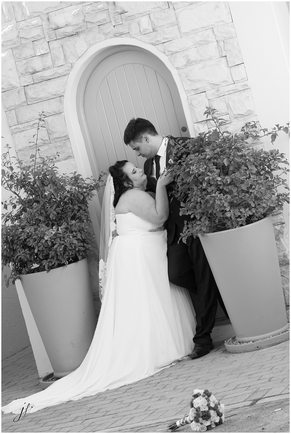 Wedding photo shoot in Sea Point by Jaqui Franco Photography from Cape Town