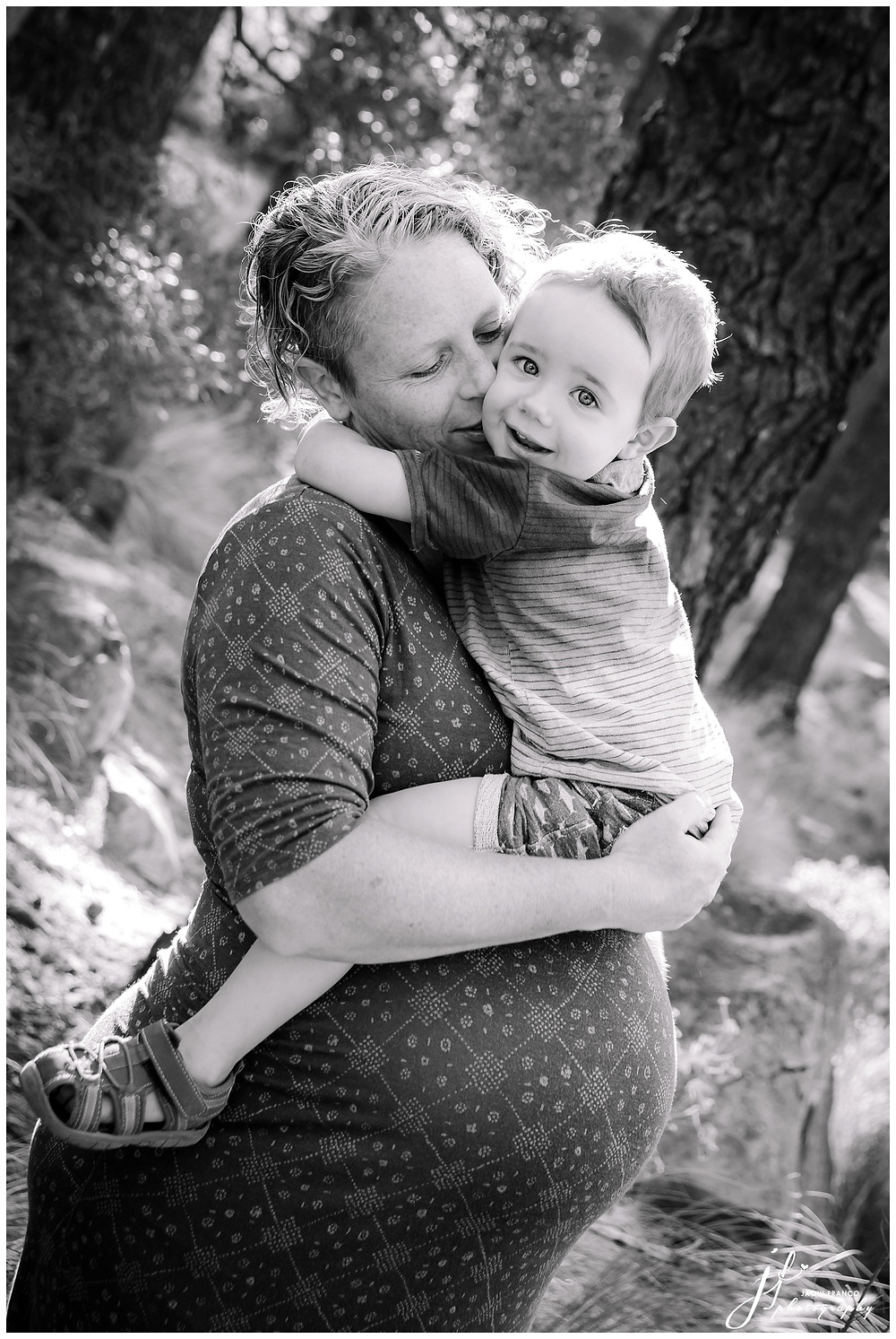 Maternity session at Deer Park by Jaqui Franco Photography