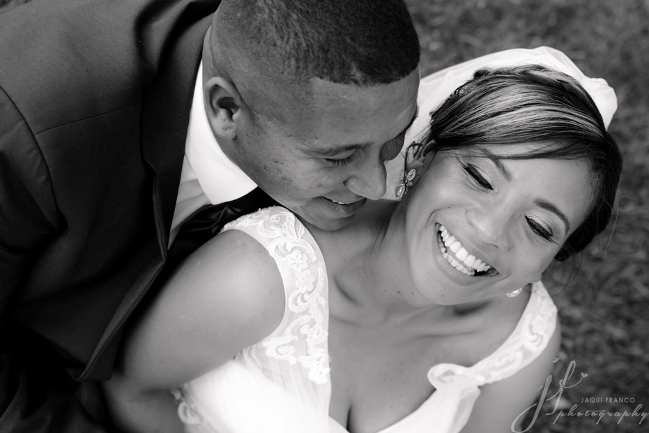 Many more kisses on this wedding day...
