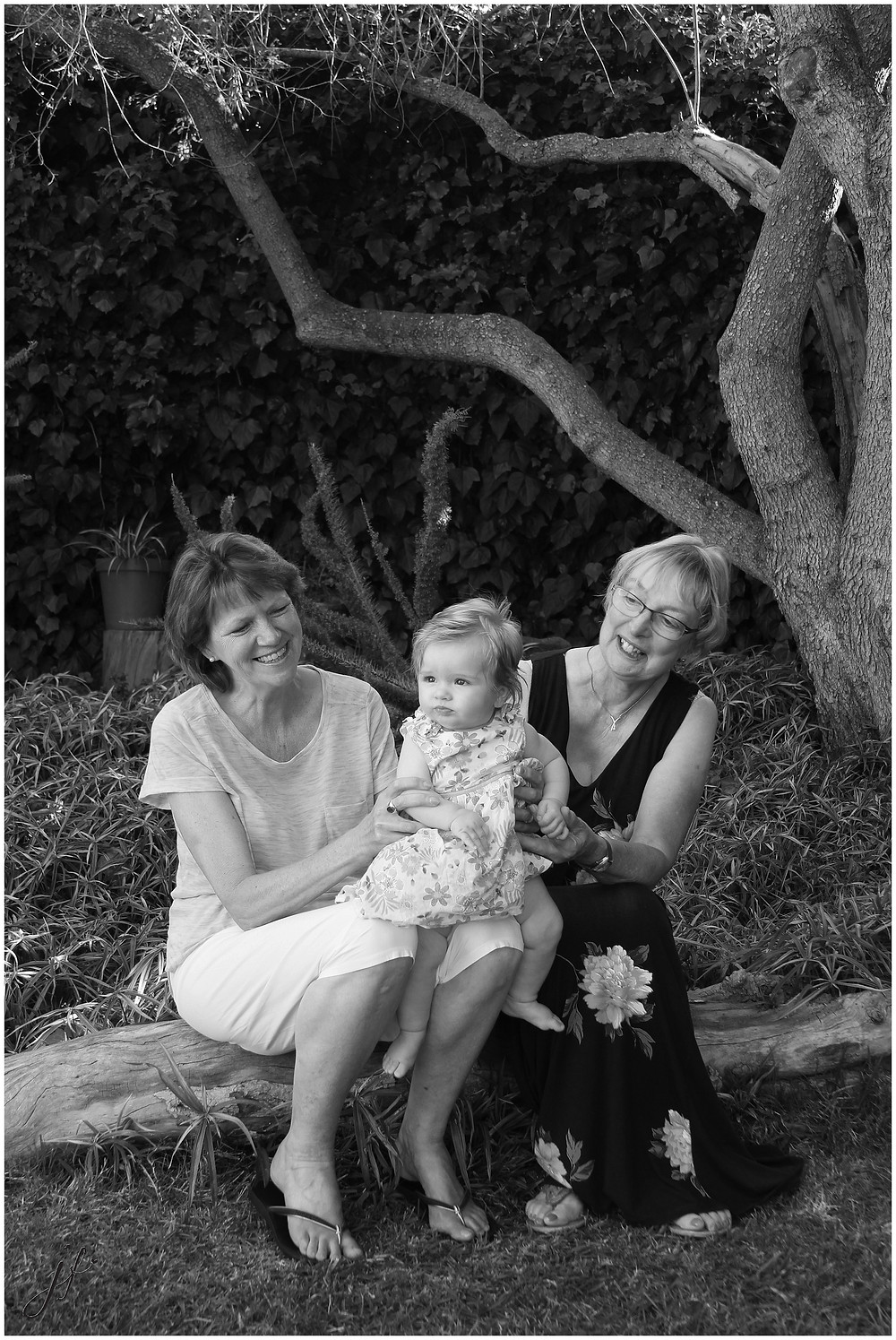 Happy smiles at Family photo shoot in Diepriver by Jaqui Franco Photography from Cape Town