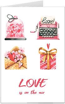 листівка для закоханих, сердечки та маленікі атрибути кохання