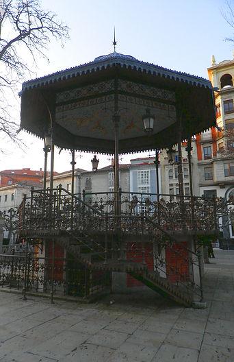 Templete de música en el Paseo del Espolón (Burgos)
