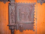 Detalle en la puerta de la Iglesia de Santa Águeda (Burgos)