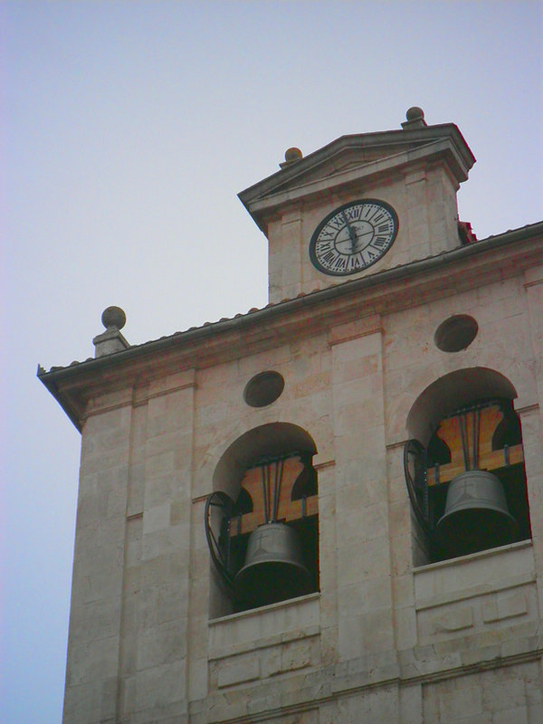 Campanario de la Iglesia de San Cosme y San Damián (Burgos)