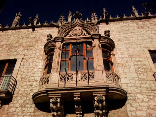 Balcón de la Casa del Cordón (Burgos)
