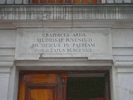 Inscripción sobre el dintel de la puerta del Consulado del Mar (Burgos)