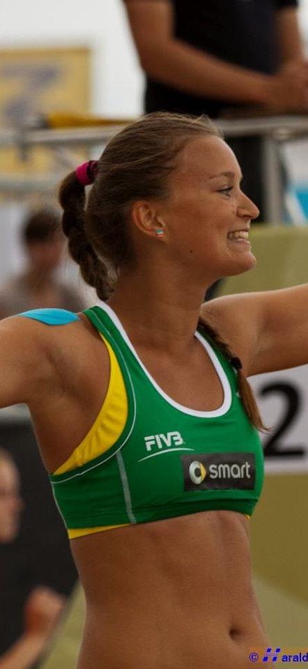 Hana Tenklova.jpg