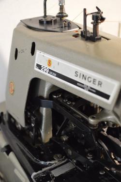 SINGER 299