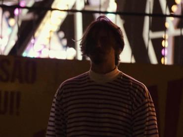 """Gabriel Buarque e rapper Josbi se unem na faixa """"De Primeira"""""""