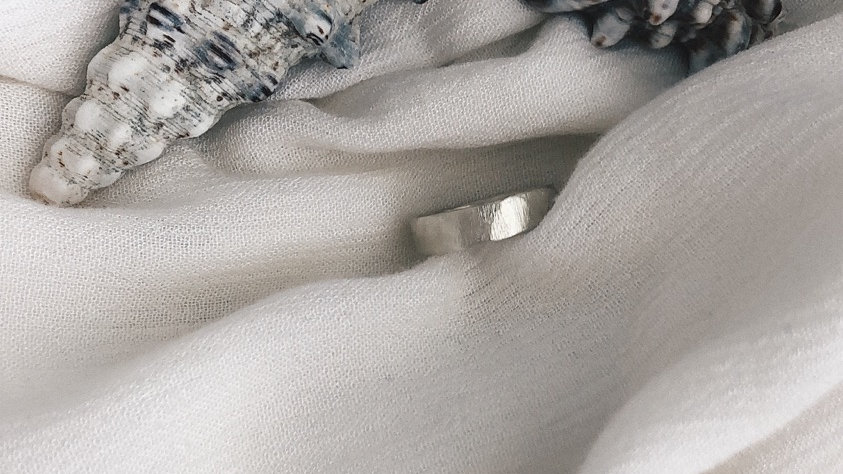 White island Ring