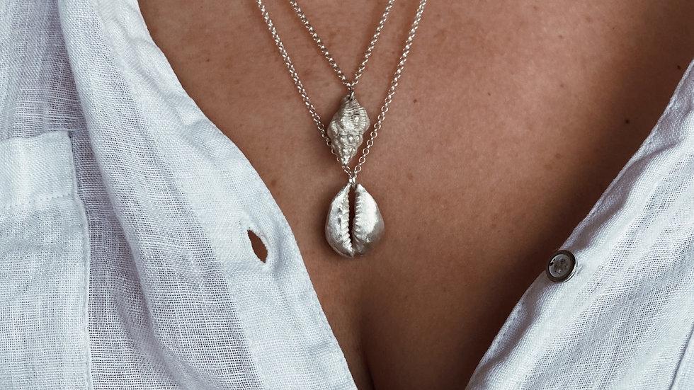 Concha Necklace