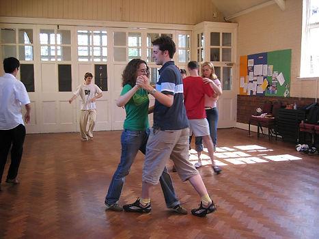 1200px-Dancing_lesson_16507650.jpg