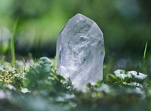 gi-crystal-quartz-in-woodland-56afb58e5f