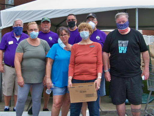 Shallotte Elks Donate $1,500 and Volunteer Time