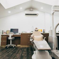 AJ Warren Dental office clinic