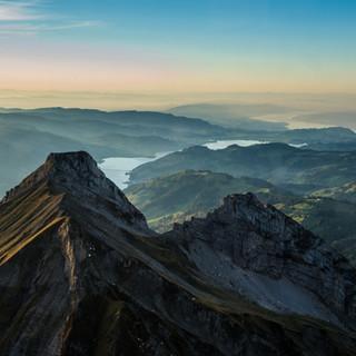 Gebirge und Seen