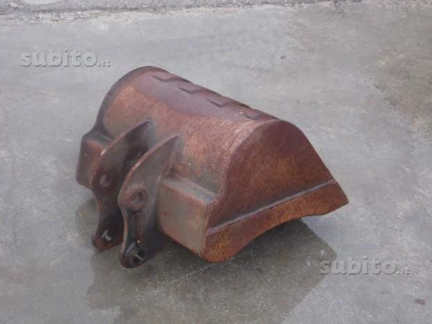 Benna usata foro 30 inter 14-50 cm.