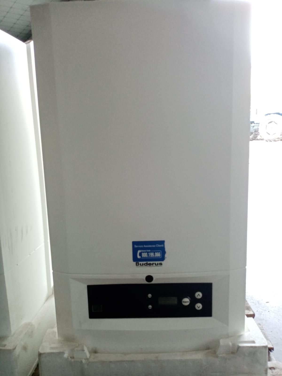 Caldaia a gas a condensazione marca Buderus