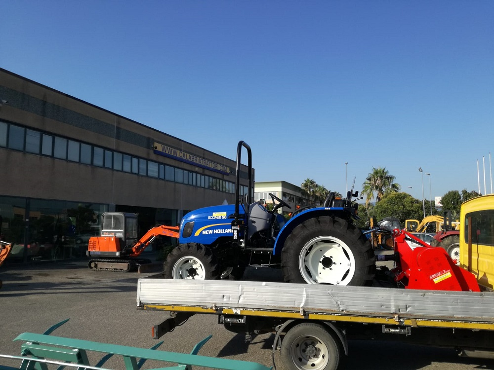 CONSEGNA NEW HOLLAND BOOMER 50