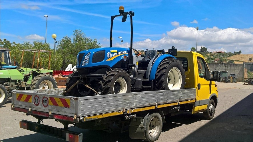 CONSEGNA NEW HOLLAND T 3.75 F