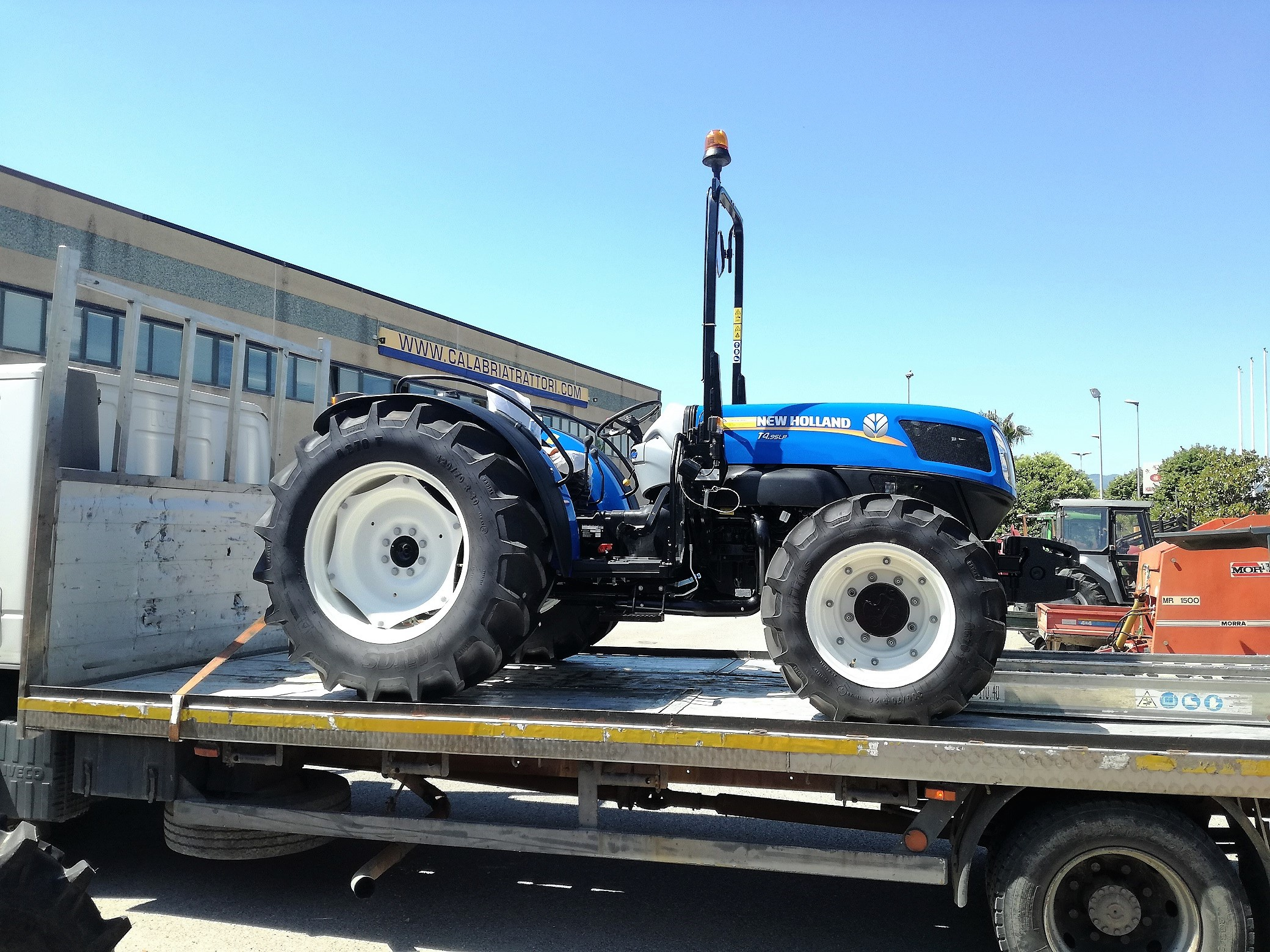 CONSEGNA NEW HOLLAND 4.95 LP