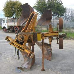 Aratro bivomere reversibile hp 130-150