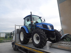 NEW HOLLAND T  4.85 CAB