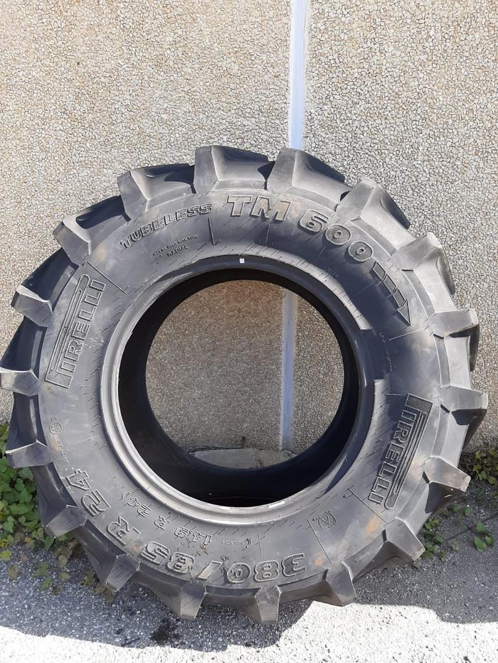 PIRELLI TM 600 14.9R24