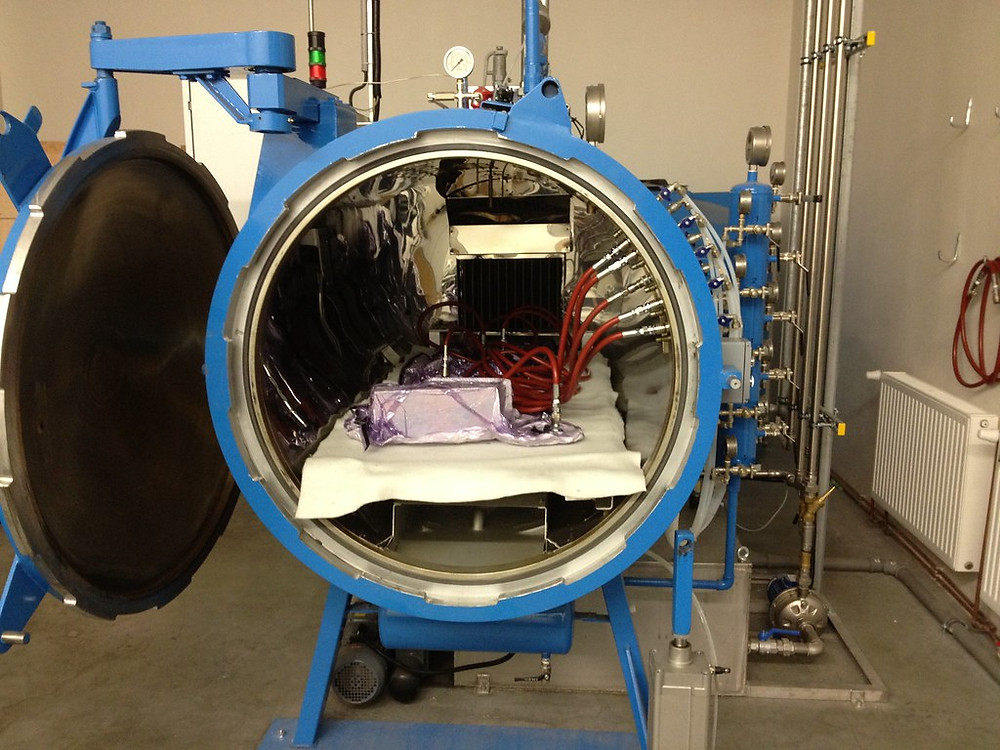 Over or an Autoclave for thermoset solidification