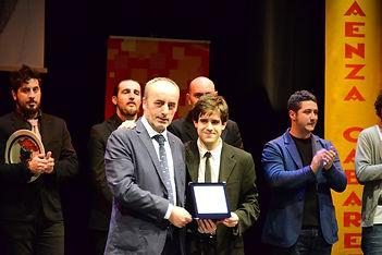 """Matthias Martelli vince il """"Premio Alberto Sordi"""" al Faenza Cabaret con il monologo del politico"""