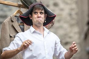 Matthias Martelli con lo chapeaugraphie
