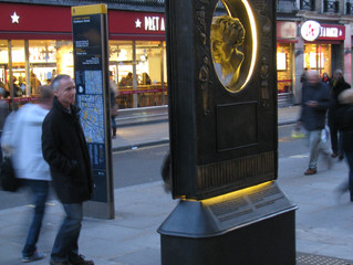 An Agatha Christie memorial, sculpted by Ben Twiston-Davies, was recently unveiled in Covent Garden