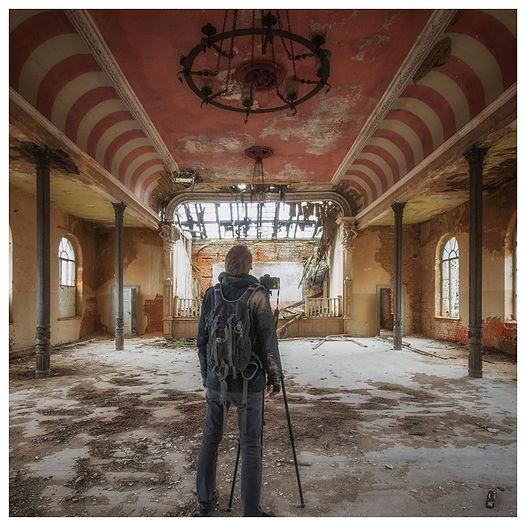Discover Yann Pesin Gallery