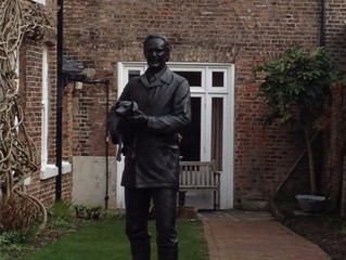 James Herriot statue unveiled in North Yorkshire