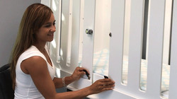 Auto engaging door slide stops