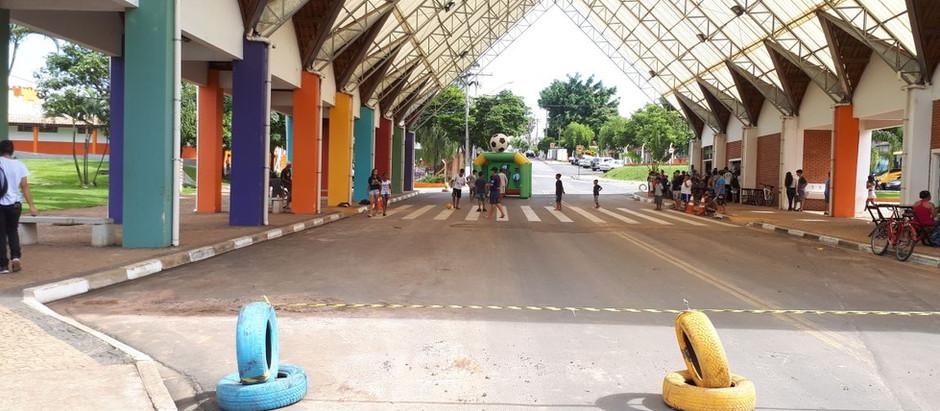 Com Copinha, Prefeitura interdita trecho da rua da Amizade