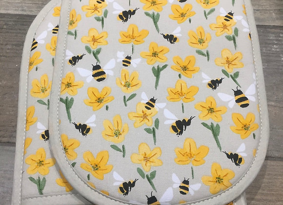 Gisela Graham bee and buttercup double oven glove