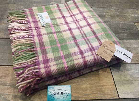 Tweedmill Textiles Pure new wool Cottage Pink/Green Check Throw/Blanket