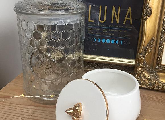 Gisela Graham White ceramic Trinket Box With Gold Bee