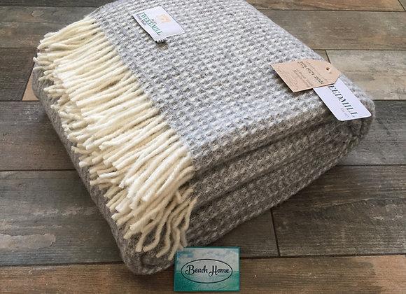 Tweedmill Textiles Pure New Wool grey waffle Throw/Blanket