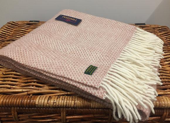Tweedmill Textiles Dusky Pink beehive knee blanket