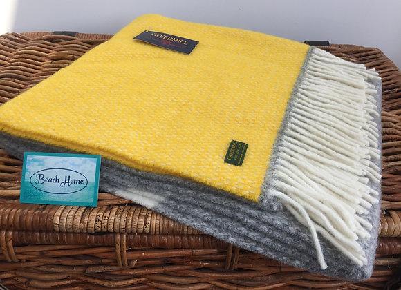 Tweedmill Textiles Yellow & Grey illusion colour block knee blanket