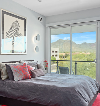 Refreshing space with High Ceilings and Mountain Views.
