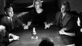 Séance on a Wet Afternoon (1964)