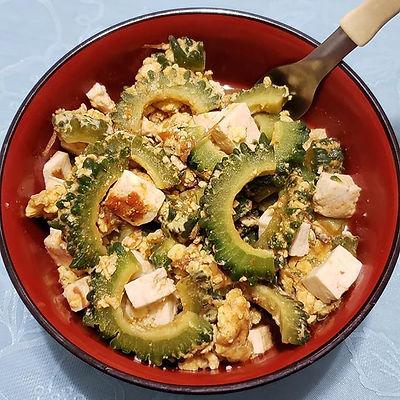 Nigagori refogado com tofu e ovos.jpg