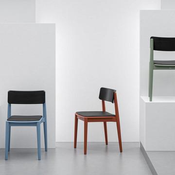 1-krzeslo-drewniane-kolorowe-nowoczesne