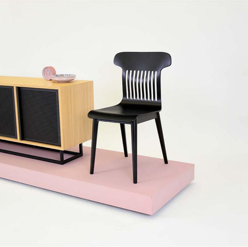 6-piekne-czarne-krzesloo-skandynawskie_e