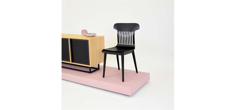 6-piekne-czarne-krzesloo-skandynawskie.j