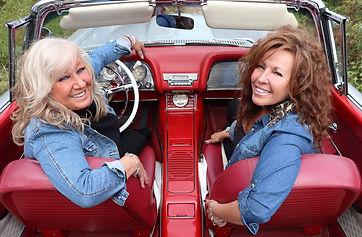 Dani et Carole - auto.jpg